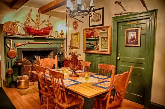 Ships Anchor Inn: Dining room