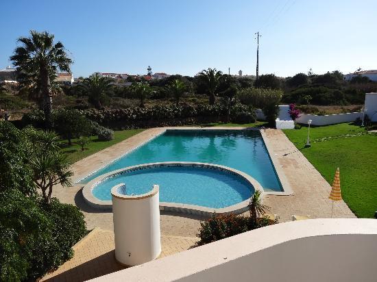 Don Tenorio Aparthotel: vue sur la piscine