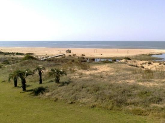 Las Dunas Hotel: La playa desde la habitación