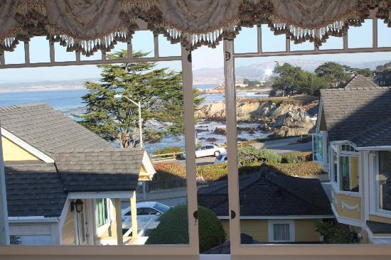 Seven Gables Inn: View from 2nd Floor of Jewell Cottage
