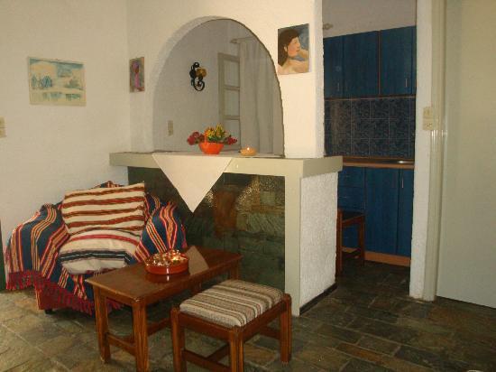 Maria Flora Apartments: room