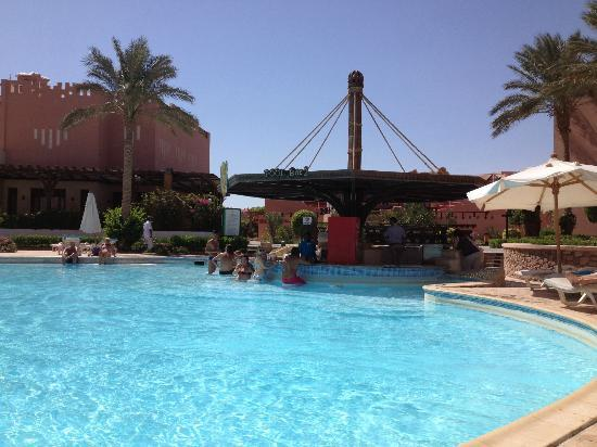 Rehana Sharm Resort: pool bar 2 near main restaurant at back.