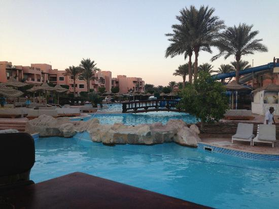 Rehana Sharm Resort: pool by star fish bar near slides.