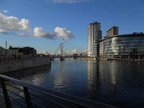 Holiday Inn Express Manchester - Salford Quays: A stunning location