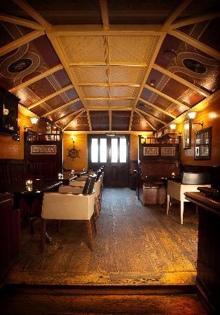 Keenan's Hotel, Bar and Restaurant: Keenan's Bar