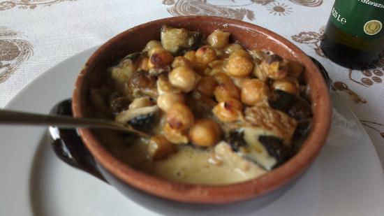 Fuori Squadro : Zuppa di ceci e porcini