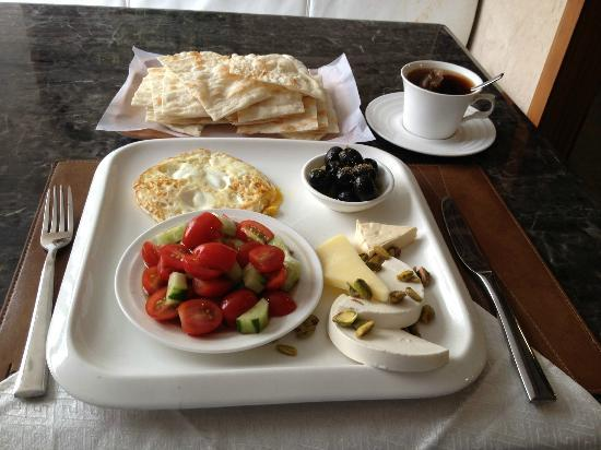 Bosphorus Premium Turkish Restaurant: brunch