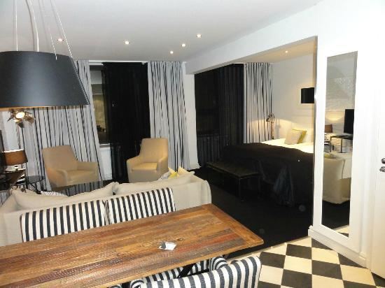 Fabian Hotel: Lux room - bed