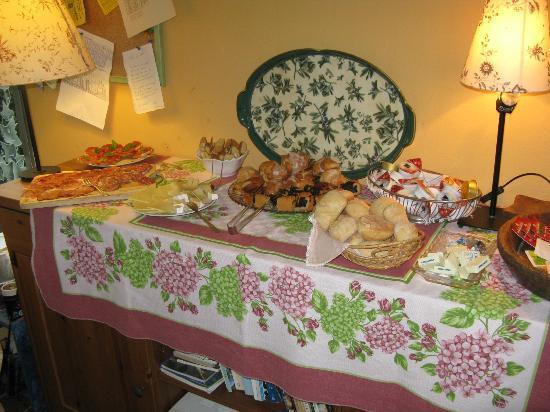 Al Tondone: wonderful breakfast buffet