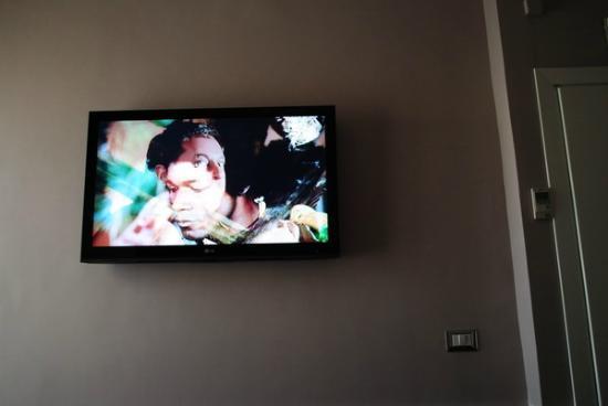 Hotel San Valentino : BIIIIIG Tv in the room