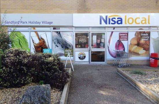 Holton Heath, UK: Nisa Supermarket, site shop at Sandford.
