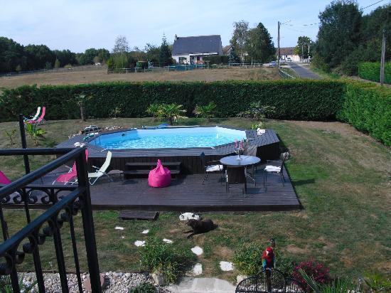 Le Clos Marie : la piscine