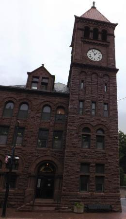 Lehigh Gorge Scenic Railway: Carbon County Courthouse