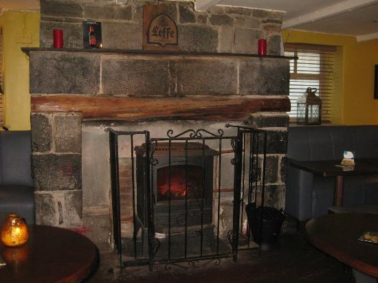 The Cottage Bar: Little fire inside the cottage