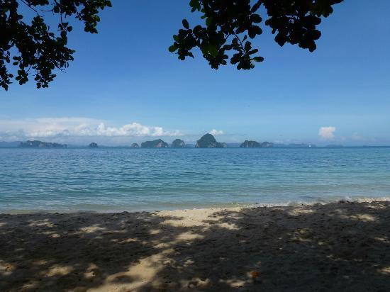 The Tubkaak Krabi Boutique Resort : Plage au matin