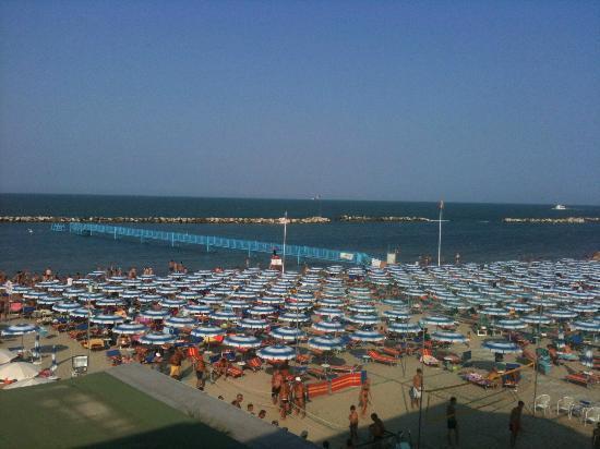 Hotel Royal Inn: spiaggia