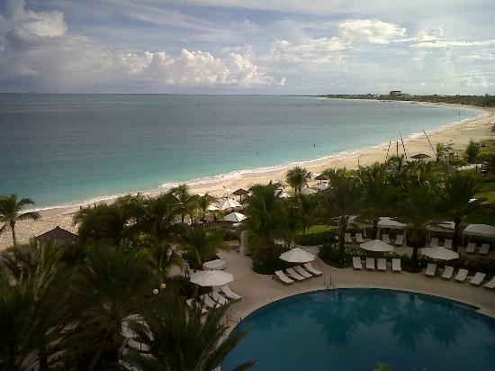 Seven Stars Resort & Spa: Grace Bay Beach (East View)