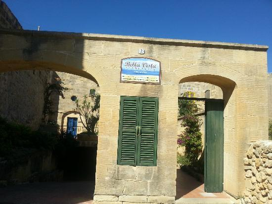 Bellavista Farmhouses Gozo: Outside the villas