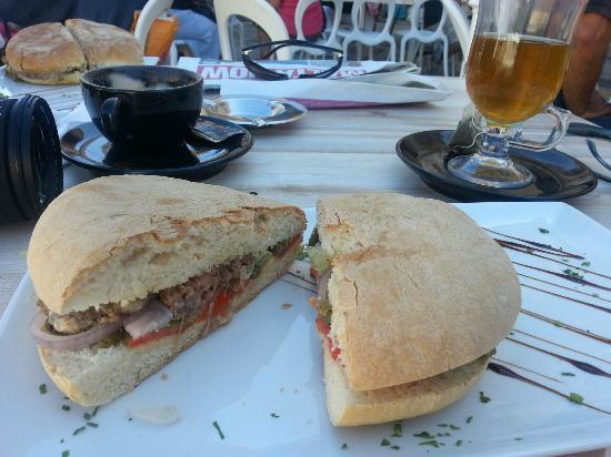 Bella Vista Farmhouses: A local cafe serving Ftira bread with Maltese sausage