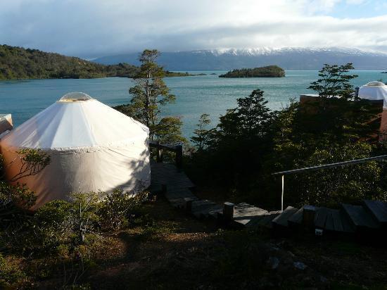 Patagonia Camp: Vistas del Yurt y el lago Toro