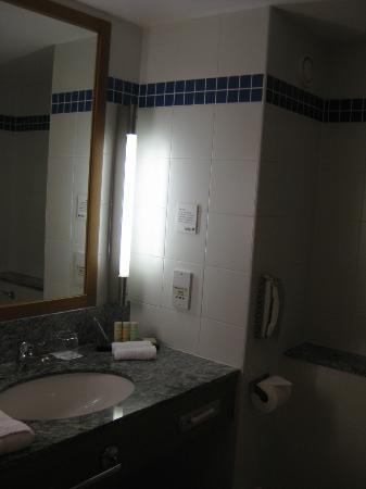 Radisson Blu Hotel & Spa, Galway: Bathroom