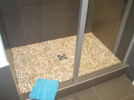 La Chaumière : douche à l'italienne