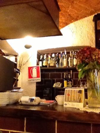 bancone bar - Picture of Trattoria del Soggiorno, Gattinara ...