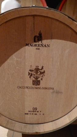 Ciacci Piccolomini d'Aragona: logo on the oak