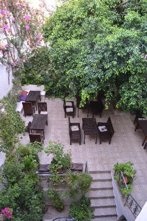 Hotel Splanzia: Backyard