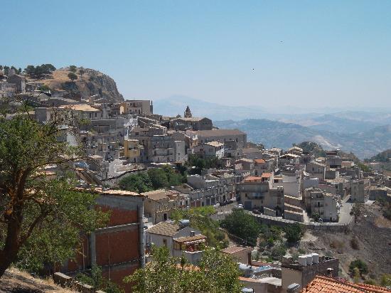 Petra Relais : percher dans la montagne, superbe village