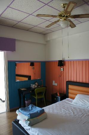 Asty Hotel: 'Colour room' (executive room)
