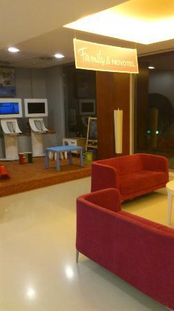 Novotel Barcelona Sant Joan Despi: zona de juego de niños