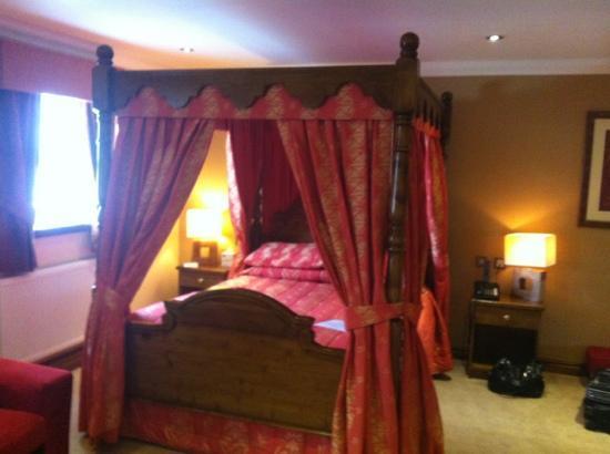 BEST WESTERN PLUS Pastures Hotel: sleeping area