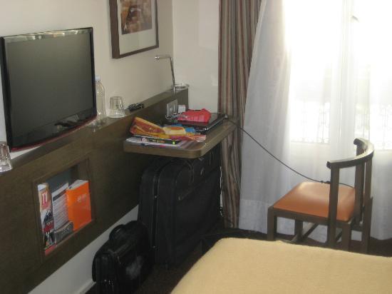 Eiffel Saint Charles: sitting area, twin room 