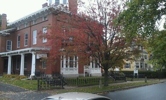 Maine Street: Pejepscot Museum, Sklfield-Whittier House, Brunswick, ME