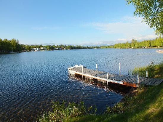 A Lakeside Bed and Breakfast: directly located on the sand lake with private landing stage