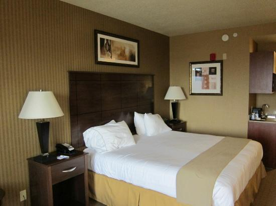 Holiday Inn Express Hotel & Suites Lake Placid : Bed