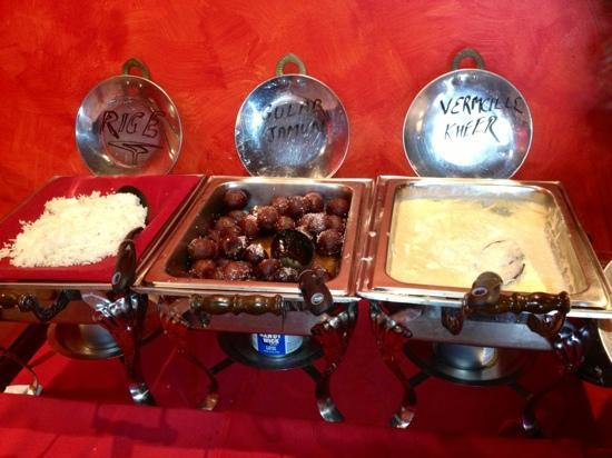 Spice Kitchen: desserts on the buffet