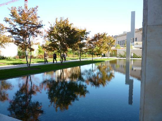 The Barnes Foundation : Exterior view of Barnes
