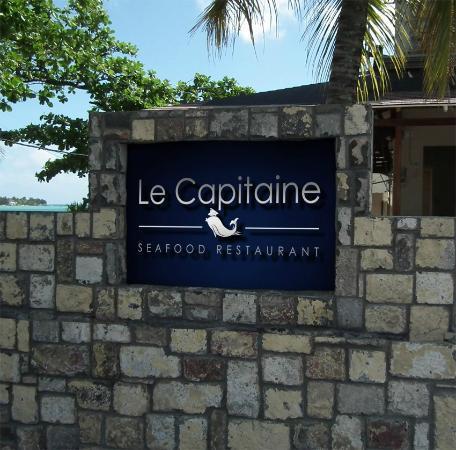 Le Capitaine : signage