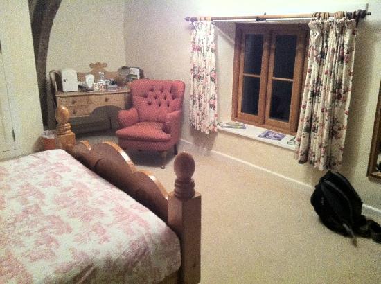 Hagley Bridge Farm: Large bedroom