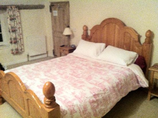 Hagley Bridge Farm: Large comfy queen bed!