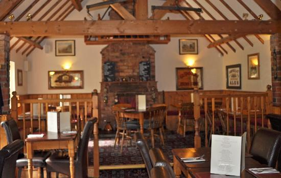 The Red Lion: Dining area