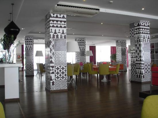 Sunprime Coral Suites: lounge