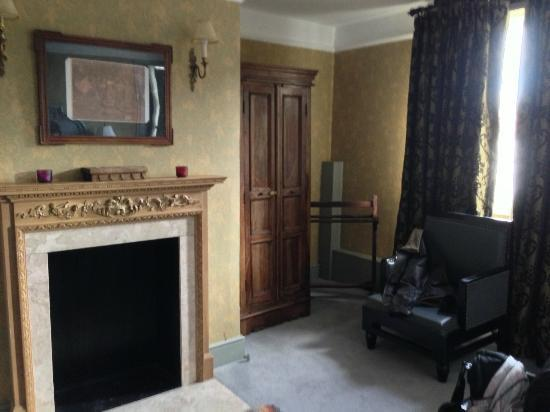The Elephant at Pangbourne: bedroom