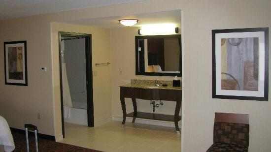 Hampton Inn & Suites Peru: Queen suite