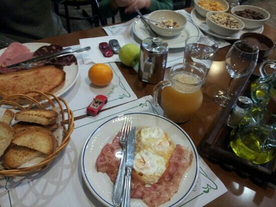 Hostal Sant Bernat: Desayuno