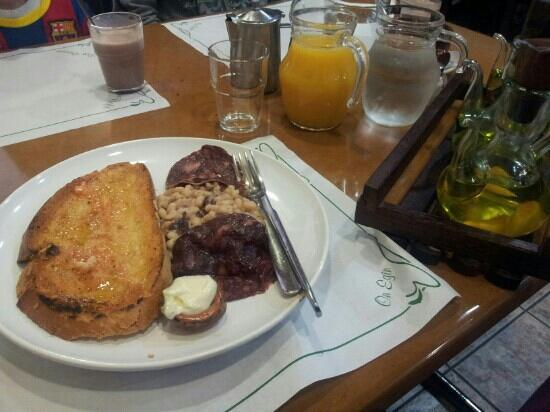 Hostal Sant Bernat: Desayuno garrotxi