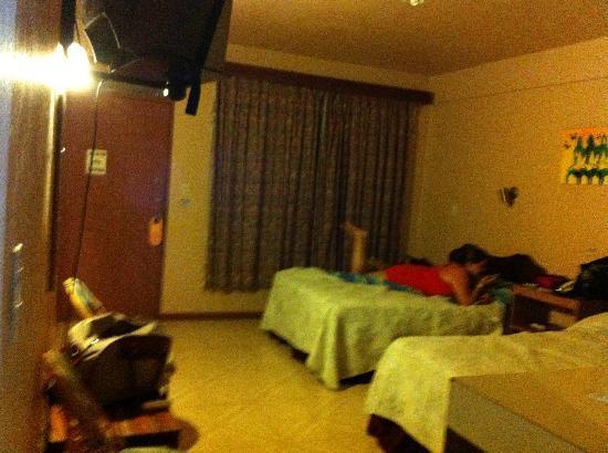 Divisamar Hotel & Casino: Habitación para 4 personas