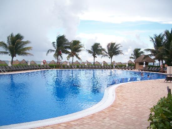 Ocean Coral & Turquesa: Privilege Pool